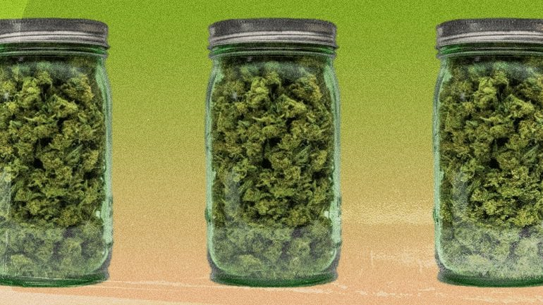 STASH WEED & CONCEAL THE SMELL with a jar